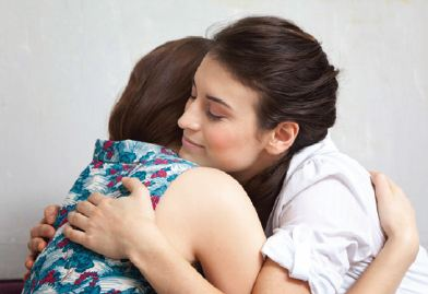 Two_women_hug.jpg