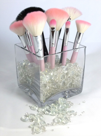 Organized-Makeup-Brush-Display.jpg