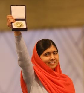 04348_Nobel_Wed_Malala-1
