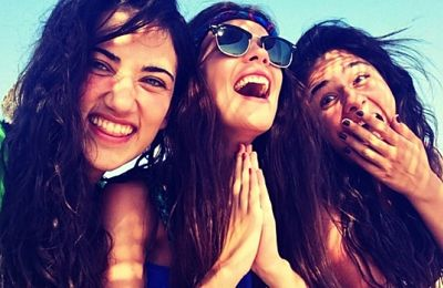turkish-women-laughing-1